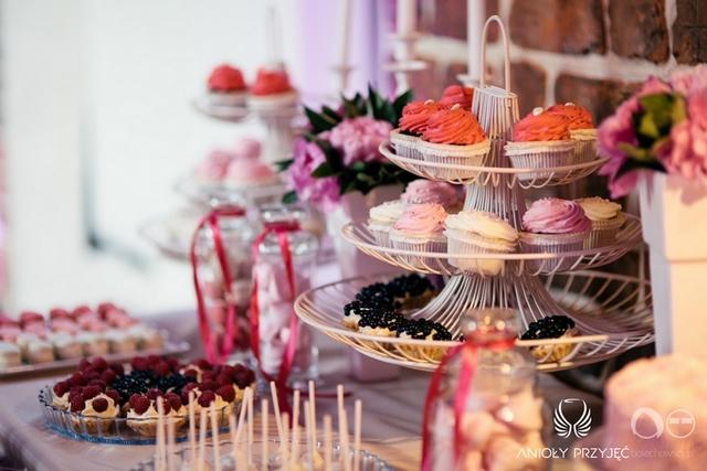 Anioły Przyjęć | Organizacja wesel | Fuksjowe wesele 13